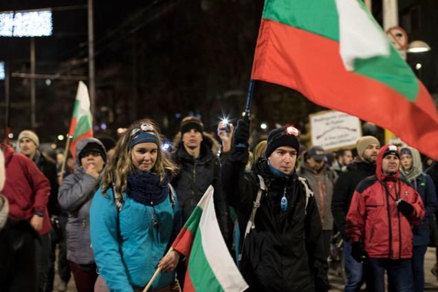 PROTEST: Bulgarii Ies în Stradă Pentru Medic Justițiar Întemnițat pe Nedrept!