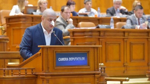 Purulentul Silviu Vexler defăimează Mișcarea Legionară și acuză parlamentarii care depun legi în favoarea României