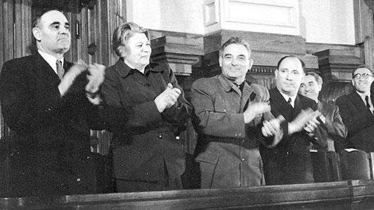 Ziua Victoriei - Hitler e Mort!