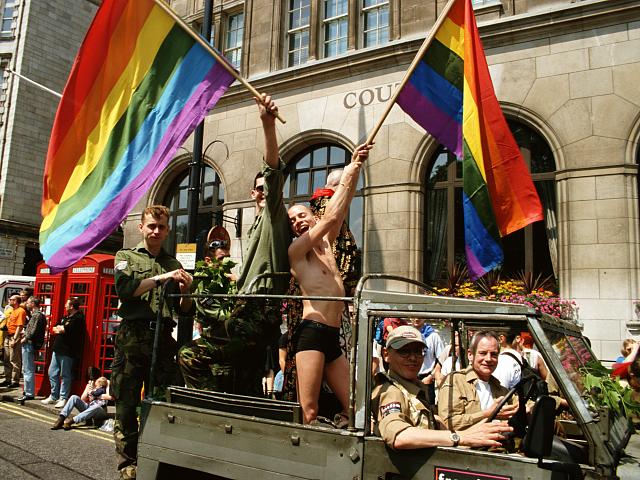 Această Școală îi Învață pe Copii Despre Relațiile LGBT Încă de la o Vârstă Fragedă