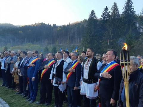 Ziua Armatei Române Sărbătorită la Valea Uzului