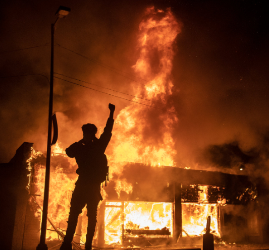 Lista Corporațiilor care susțin violențele din America și te vor mort