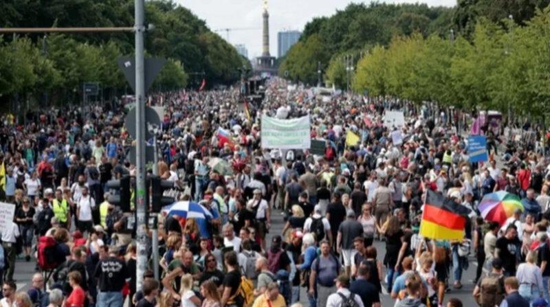 Protest URIAȘ în Germania