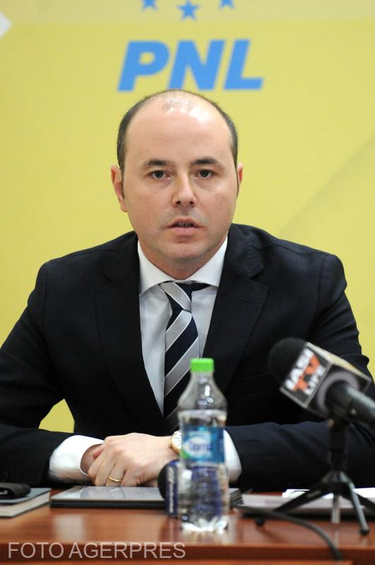 În România se combate Românismul: Alexandru Muraru vrea să scoată AUR înafara legii