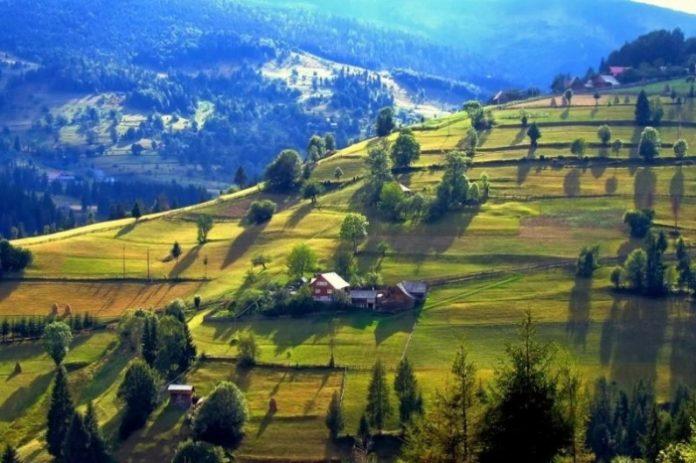 Sâmbătă 15 Mai - PROTESTE ÎN BUCUREȘTI împotriva vânzării pământului Românesc