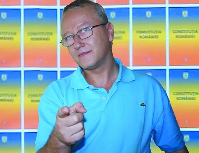Medicul pro-libertate Răzvan Constantinescu audiat de comisia UMF iași
