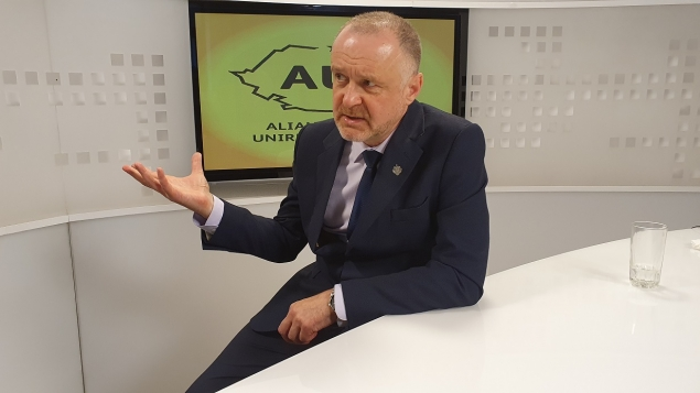 """Cel mai BAZAT interviu al lui Sorin Lavric : """"Noi suntem în mod fățiș naționaliști"""